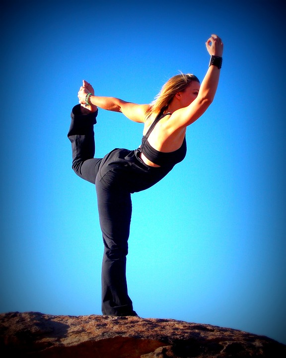 Are there any benefits of online yoga consultation?